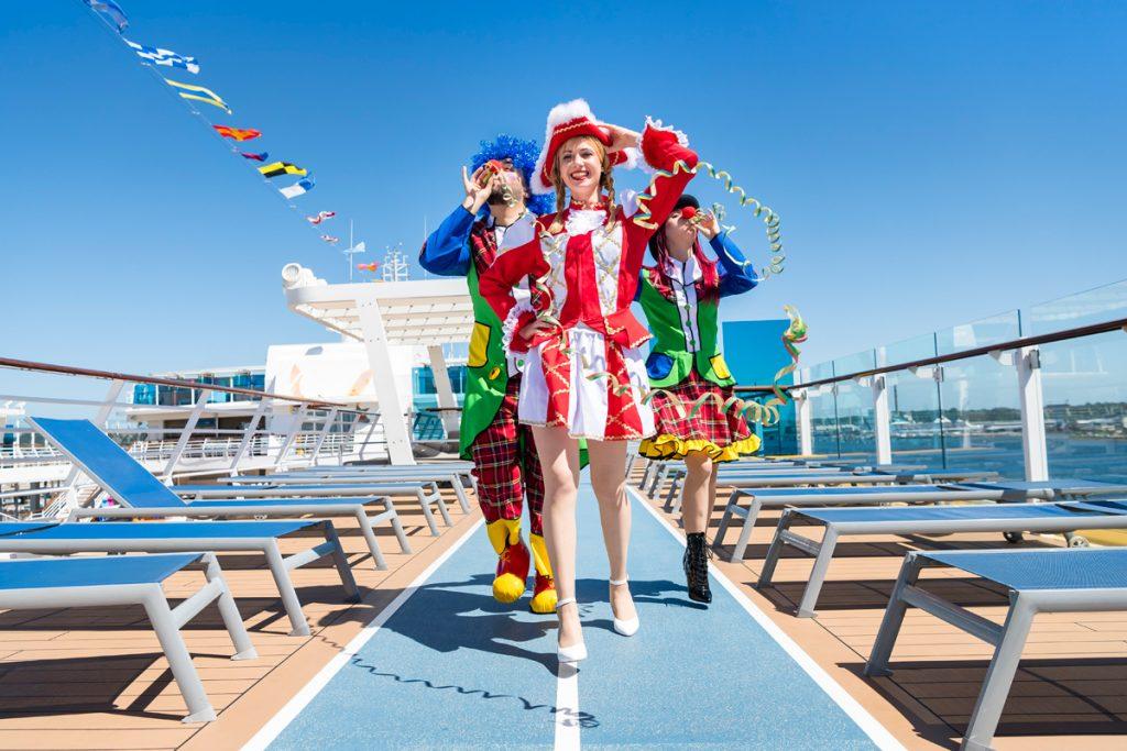 Karneval an Bord der Mein Schiff