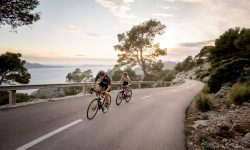 Fahrradfahrer des AIDA BIKE CAMP unterwegs