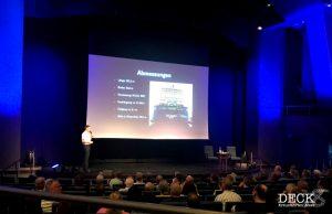 Jens Troier erklärt, bei der nautischen Fragestunde, technische Hintergründe zur Mein Schiff 4