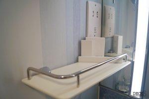 Ablage im Bad einer Kabine der neuen Mein Schiff 2 von TUI Cruises