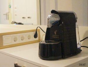 Kaffeemaschine in der Innenkabine der neuen Mein Schiff 2