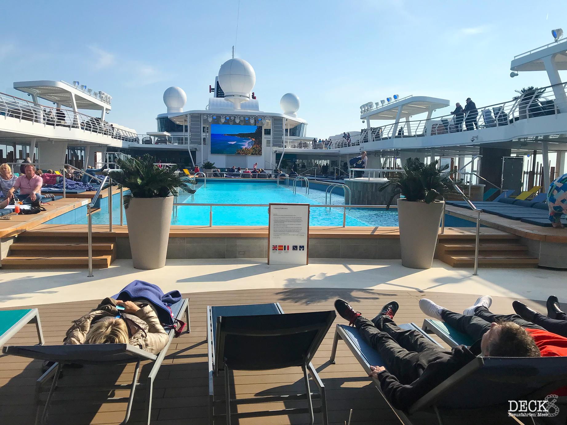 Ostsee mit St. Petersburg mit der Mein Schiff 1 | Reisebericht Tag 2: Seetag