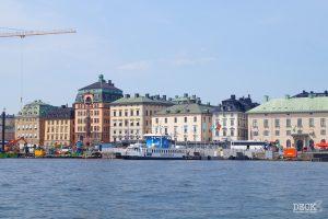 Blick vom Boot auf Stockholm beim Mein Schiff Landausflug.