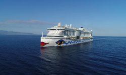 AIDAperla auf See, wo sie bald mit Hybridantrieb unterwegs sein wird