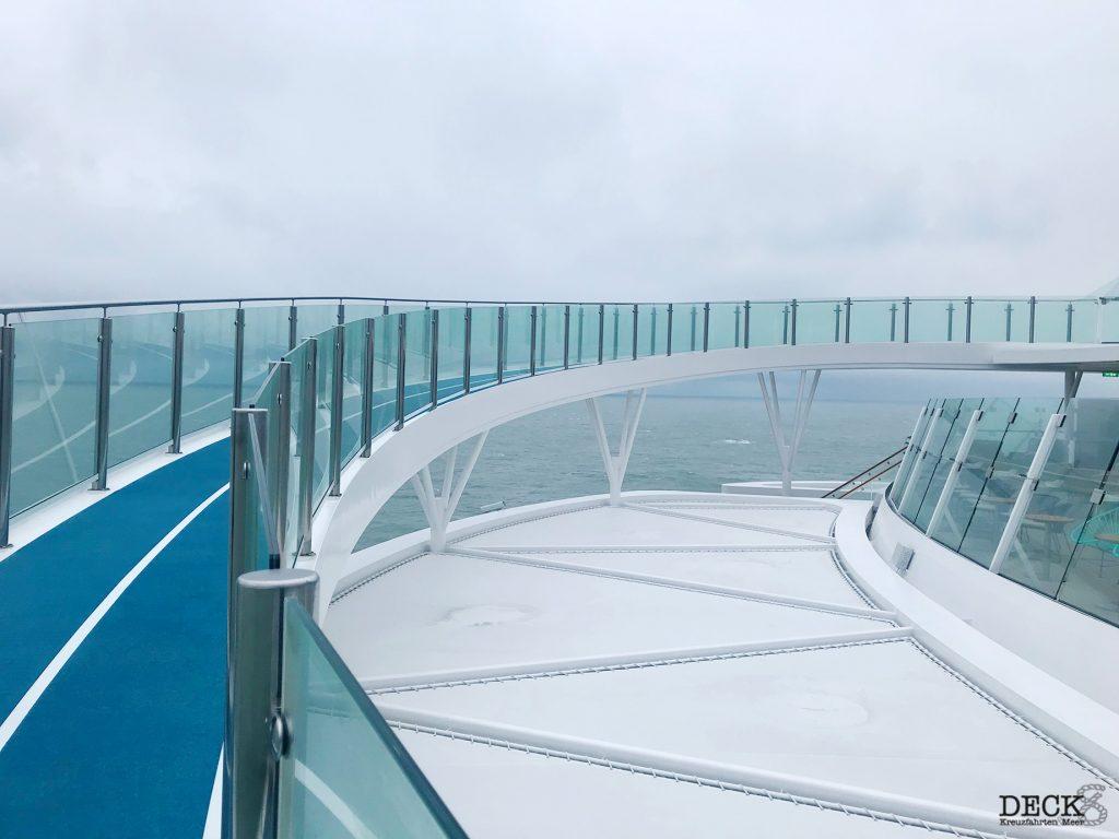 Blick auf die Joggingstrecke der neuen Mein Schiff 1 und Mein Schiff 2 von TUI Cruises
