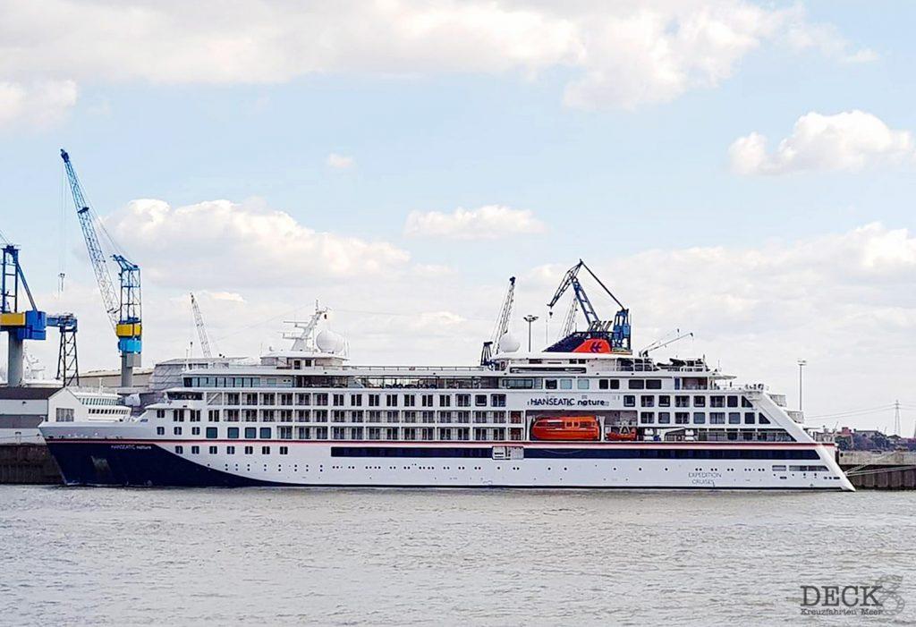 HANSEATIC nature von Hapapg Lloyd Cruises in Hamburg. Sie soll Anfang Oktober auf Expeditions-Kreuzfahrt gehen.